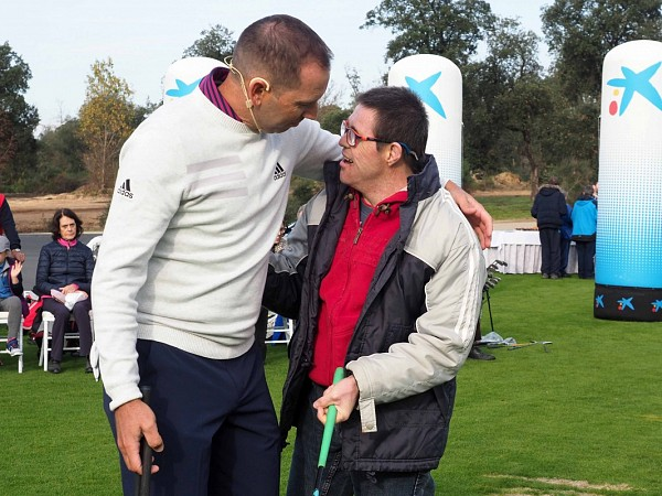 A golf lesson taught by Sergio García