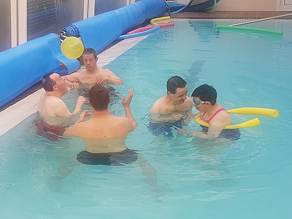 Leisure and therapeutic activity in the swimming pool of the residence