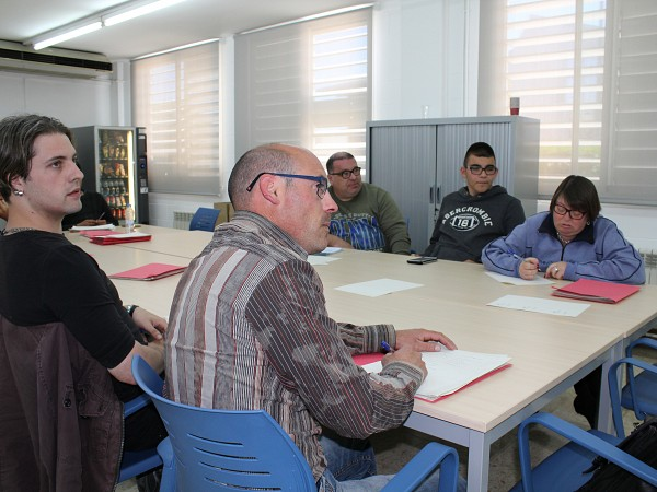Clúster Èxit participates in a training and career orientation program for young people